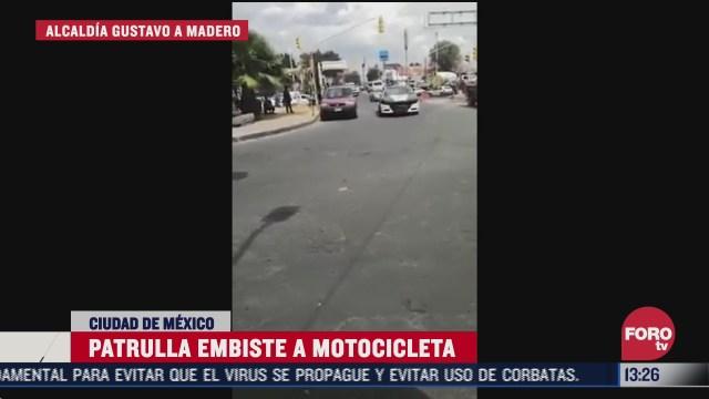 patrulla embiste a policias que iban en motocicleta durante persecucion en cdmx