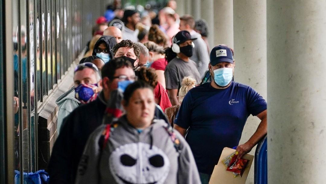 Personas hacen fila para pedir ayuda por desempleo en Kentucky Estados Unidos