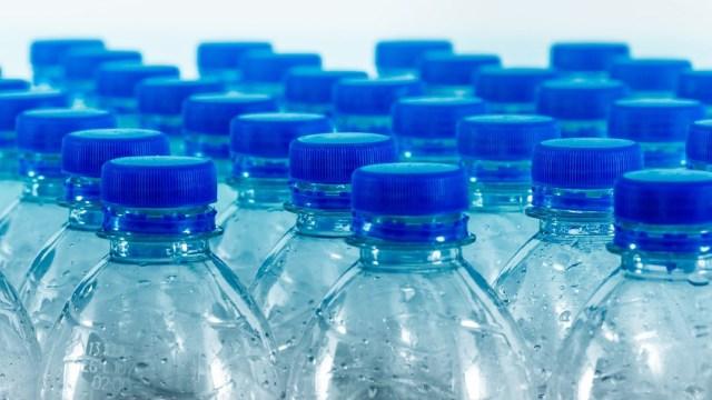 Botellas de plástico, desechables, coronavirus