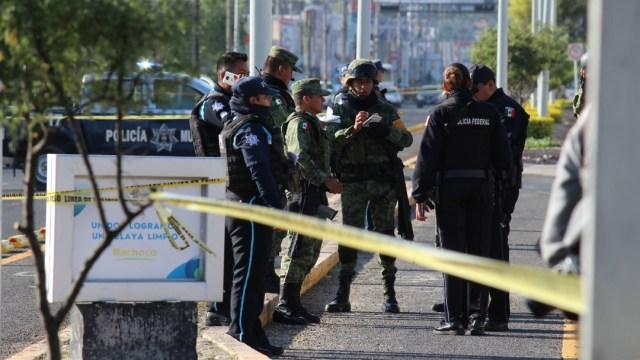 Policías de Celaya, asesinan a 3 personas en Guanajuato, entre ellos, un policía