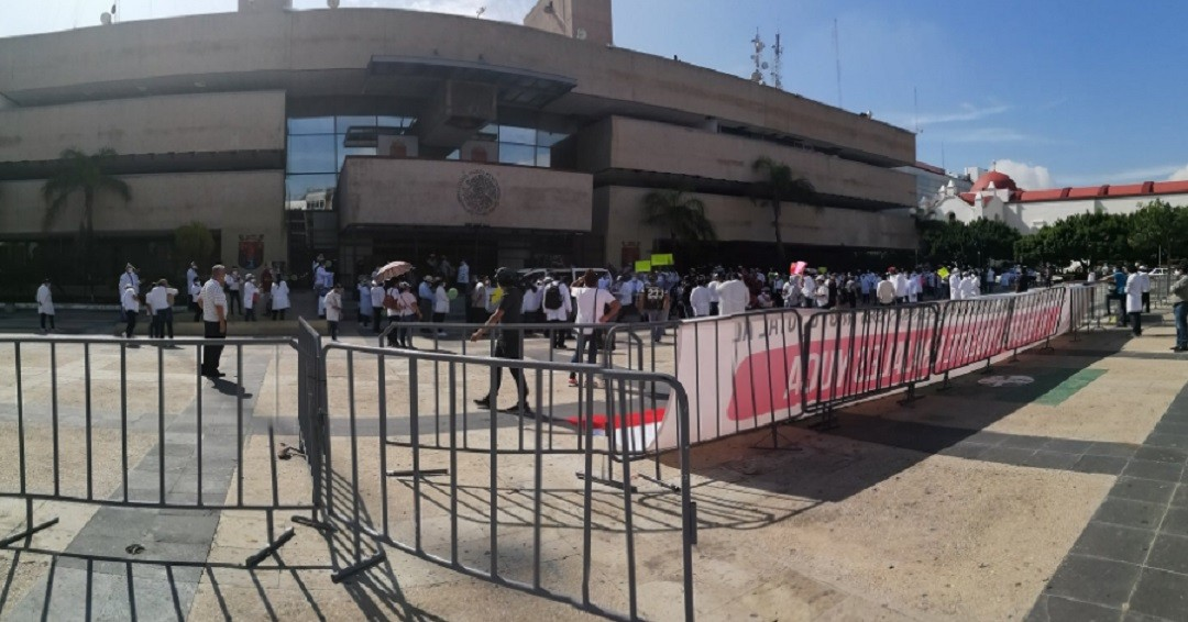 Médicos-exigen-libertad-del-doctor-Grajales-Yuca-en-Chiapas