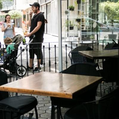 Restauranteros en Polanco comienzan con la toma de medidas para reanudar actividades