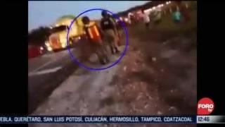 toro embiste a militar en la carretera queretaro slp