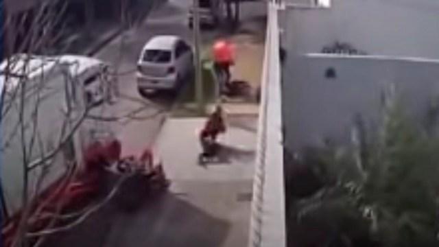 Hombre en Argentina frustró asalto y atropelló a ladrón con un camión