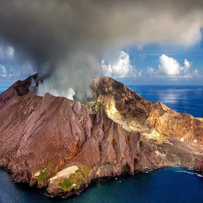 Científicos descubren volcanes en Venus que aún están activos