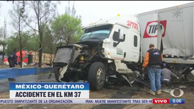 vuelca trailer en la mexico queretaro hay dos lesionados
