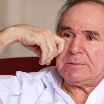 El expresidente de Ecuador Abdalá Bucaram durante una entrevista