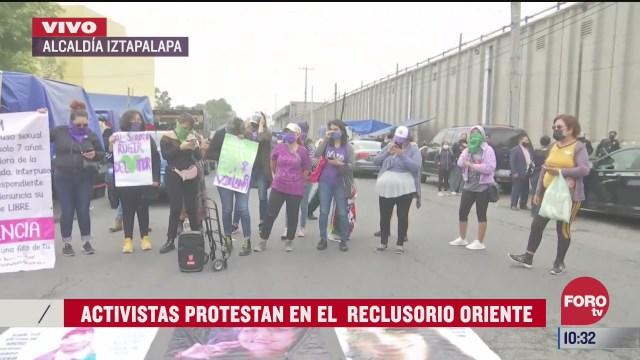 activistas protestan en el reclusorio oriente en cdmx