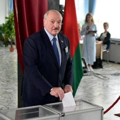 Oposición bielorrusa se niega a reconocer victoria de Alexandr Lukashenko