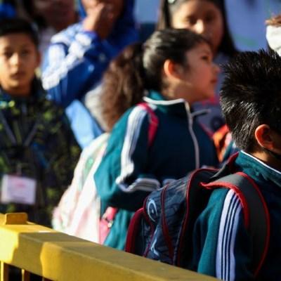 CDMX dará becas a alumnos que pasen de escuelas privadas a públicas por COVID-19