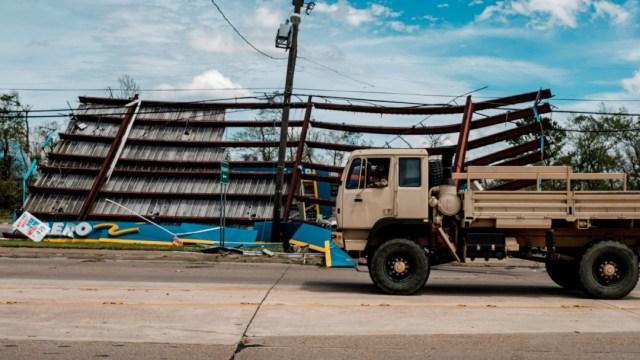 Aumentan a seis los muertos en Louisiana por el paso del huracán 'Laura'