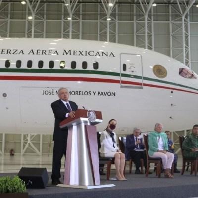 AMLO confirma que ya se subió al avión presidencial; 'tiene lujos de monarquía'