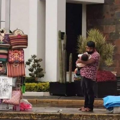 Familia pedía comida a cambio de sus artesanías; tras volverse virales, llovieron las donaciones
