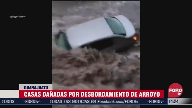 desborde de rio arrastra carros y dana viviendas en irapuato