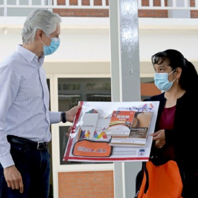 Edomex apoyará a estudiantes de educación básica con útiles escolares