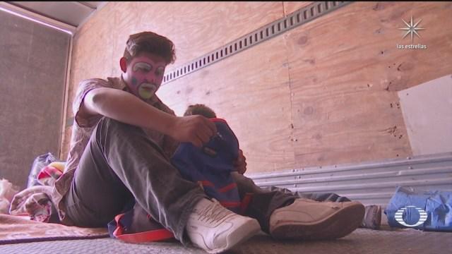 familia que vive en la caja de un trailer debido a crisis economica por covid