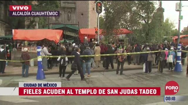 fieles acuden al templo de san hipolito cdmx para venerar a san judas tadeo