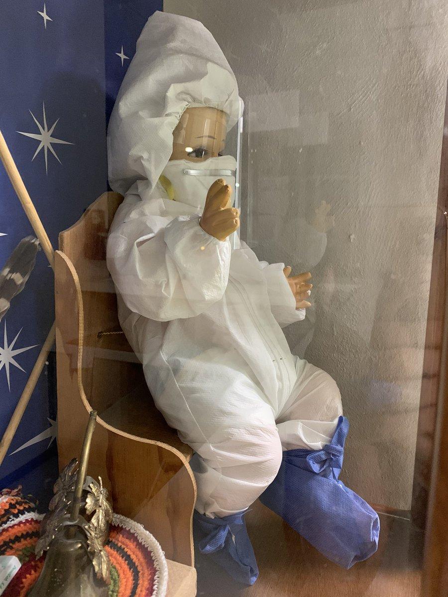 Foto Niño Dios vestido contra coronavirus se hace viral