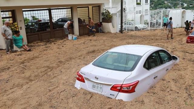 Persisten lluvias por 'Genevieve'; estos son sus efectos en Cabo San Lucas