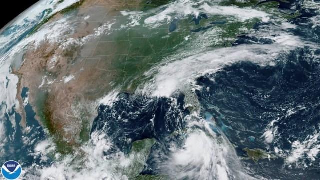 El huracán Laura obligó recortar el bombeo en 1.5 millones de barriles por día (bpd) en las plataformas de alta mar del Golfo de México