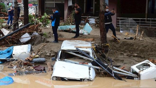 Fotografía que muestra los daños provocados por las fuertes lluvias en el poblado de Dereli, Turquía