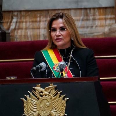 Presidenta de Bolivia califica a Evo Morales de 'abusivo depredador de niñas'
