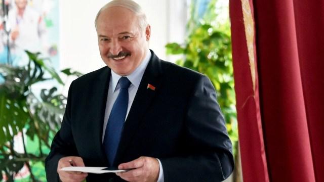 Lukashenko gana elección presidencial de Bielorrusia con más del 80% de los votos