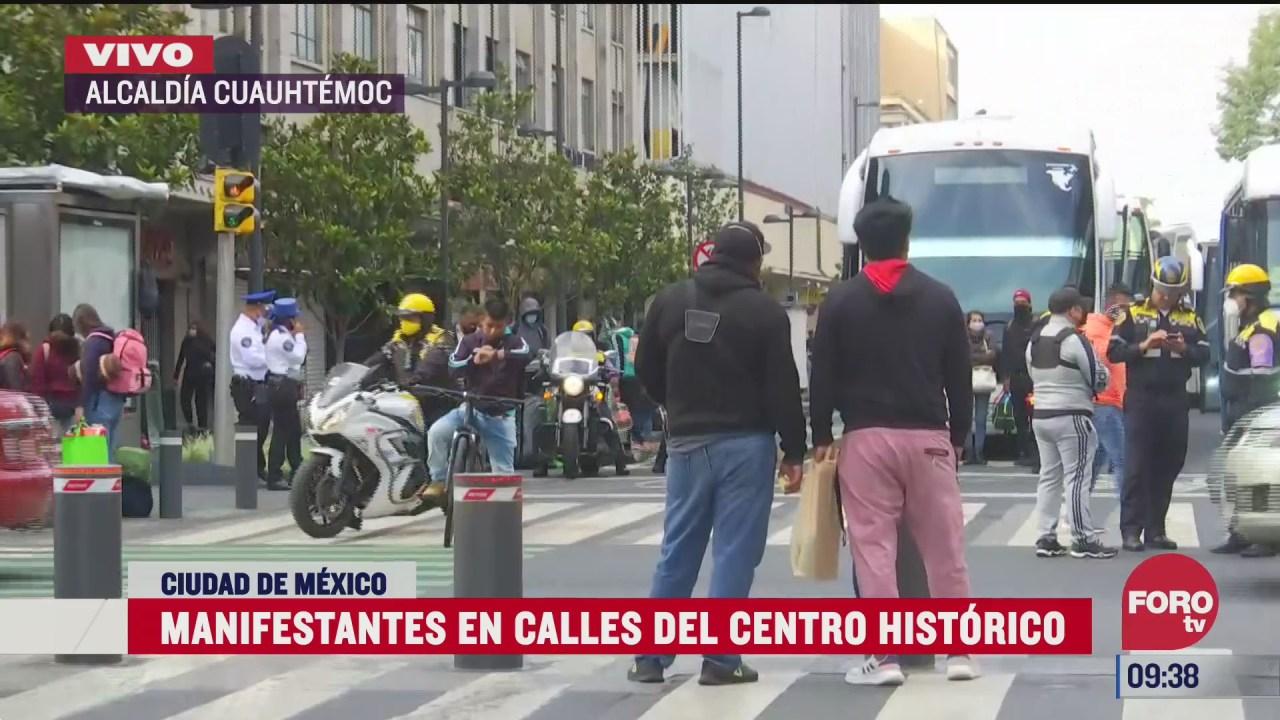 manifestantes hacen planton en el zocalo cdmx