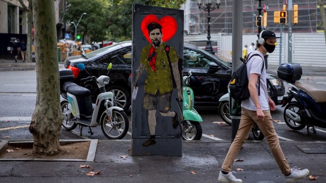 El grafitero Salvatore Benintende dibujó a Leo Messi vestido de Che Guevara