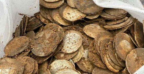 Un hombre encontró un tesoro mientras recorría un campo — Hallazgo histórico