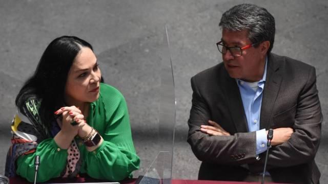 "Durante la plenaria de los senadores de Morena, Ricardo Monreal dijo que se actuará con ""sigilo"" para no crear falsas expectativas en juicio a expresidentes"