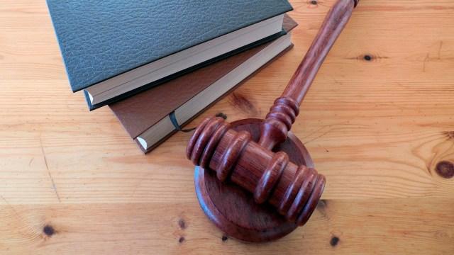 Golpear a un ladrón podría ser considerado un delito de cárcel