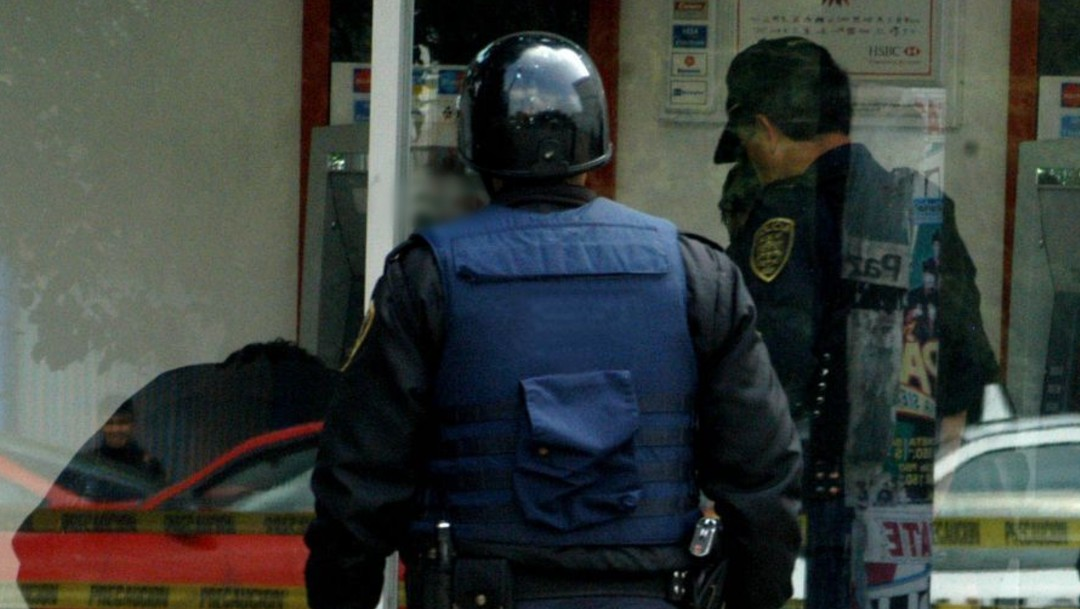 Policía detiene a hombre tras poner trampa a cajero automático en colonia Narvarte, CDMX