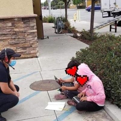 Captan a niñas usando el WiFi de un restaurante para tomar clases a distancia
