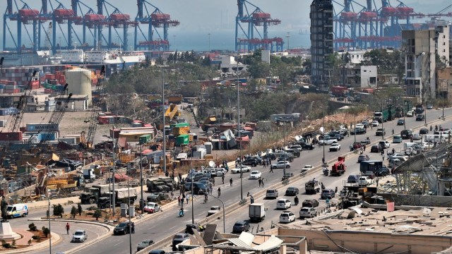 Primer ministro libanés declara crisis nacional tras explosión en Beirut