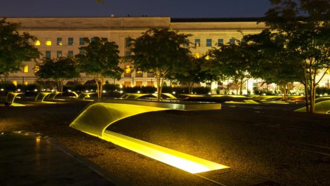 11-S Pentágono Memorial rinde homenaje a los que murieron durante los ataques de 2001