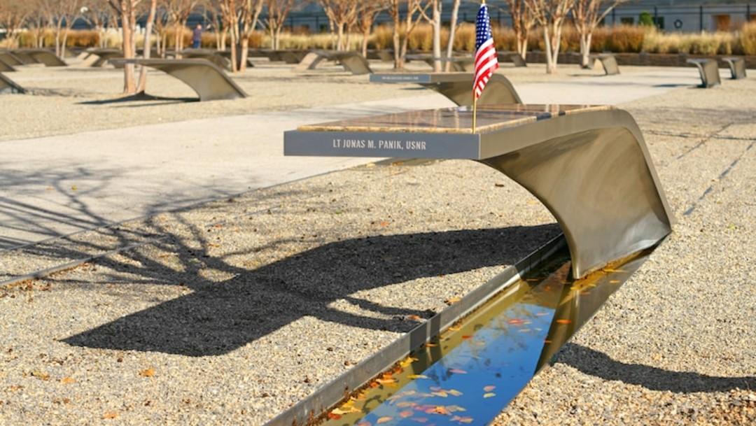 11S: Pentágono Memorial rinde homenaje a los que murieron durante los atentados de 2001