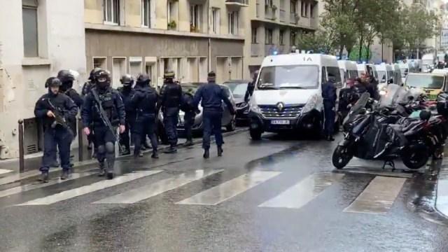 Ataque con arma blanca deja tres heridos junto a antigua redacción de Charlie Hebdo en París