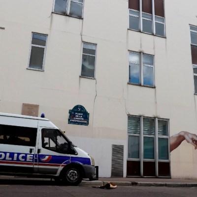 Autor del ataque junto a sede de 'Charlie Hebdo' confiesa que actuó contra la revista