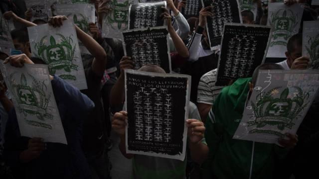 La marcha para conmemorar y exigir justicia por los 43 normalistas desaparecidos de Ayotzinapa saldrá del Ángel de la Independencia a las 4 pm