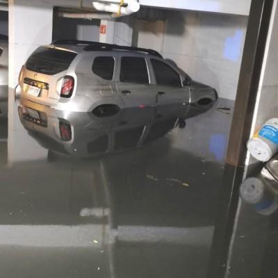 Casas inundadas, vecinos atrapados y carros bajo el agua, el saldo de lluvias en CDMX