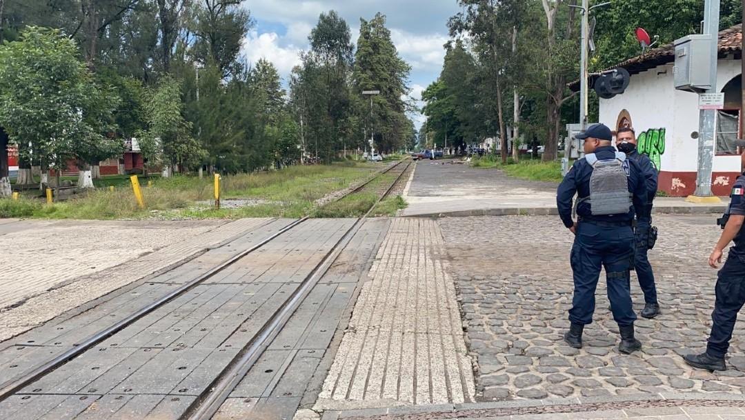 Desalojan a integrantes de la CNTE que bloqueaban vías férreas en Michoacán
