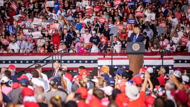 Trump urge en Florida a votar cuanto antes