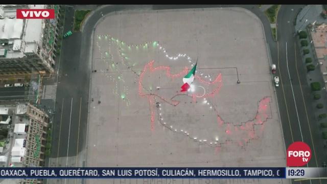 encienden mapa de mexico en el zocalo de la cdmx