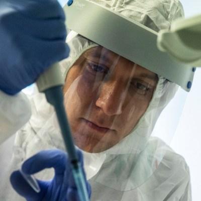 Poco probable que vacuna COVID-19 esté en octubre, pero no es imposible, dice Fauci