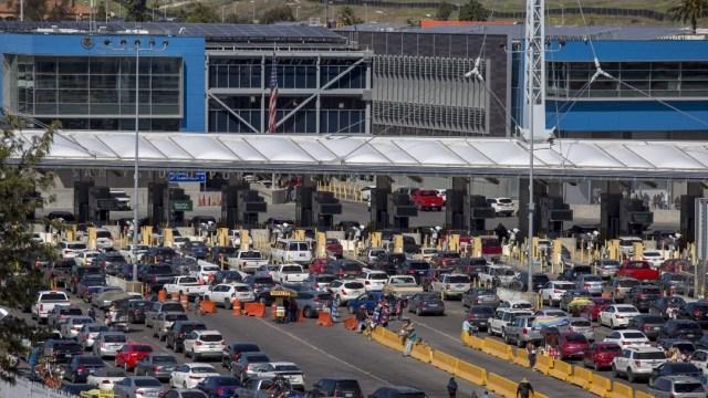 EEUU-extiende-restricciones-fronterizas-con-México-y-Canadá