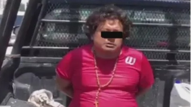 Detienen a sujeto que golpeó a dos mujeres durante una misa en Campeche