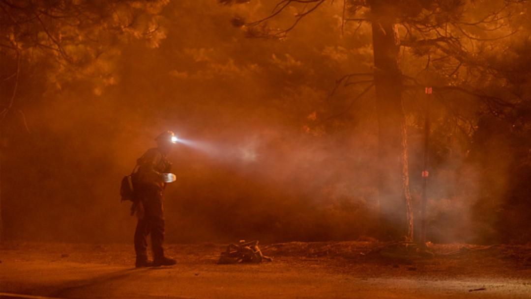 Trump visitará California por los incendios que azotan el estado