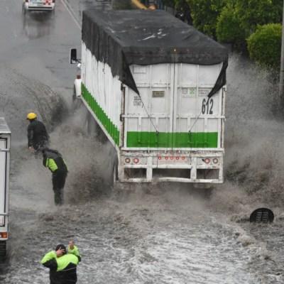 Prevén lluvias con descargas eléctricas para la Ciudad de México