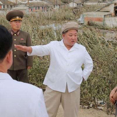 Kim Jong-un visita zonas afectadas por tifón Maysak